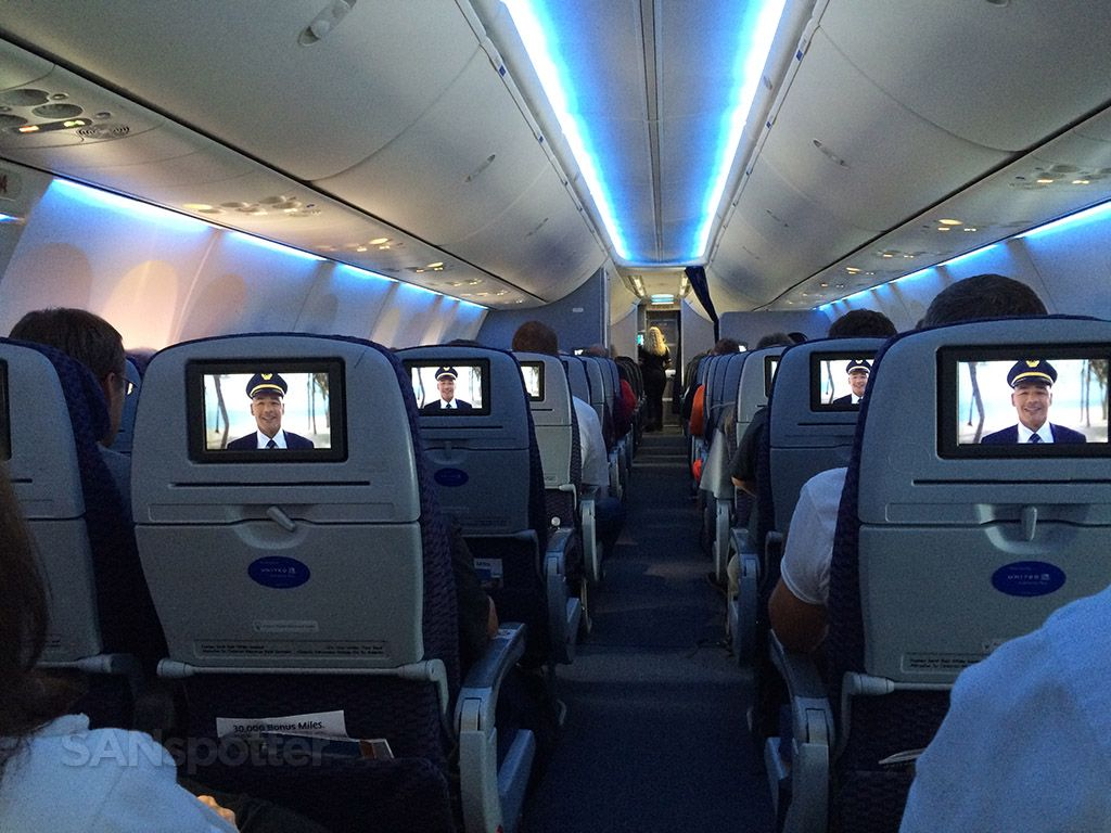 Image Result For Boeing 737 900 Seating Boeing 737 Boeing Aviation