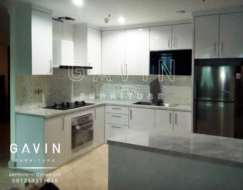 Pembuatan kitchen set minimalis modern dengan minibar
