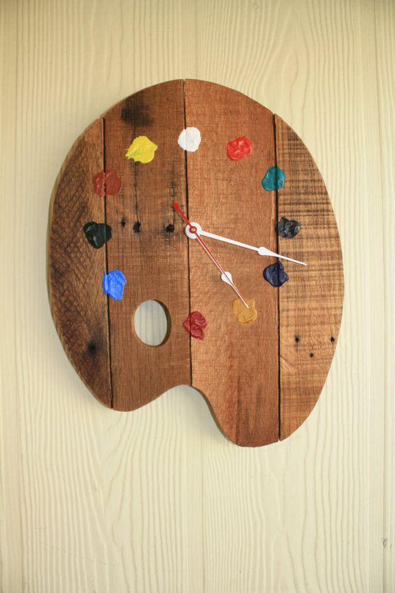 artists palette wall clock made from pallets by jimmyshandmade uhren pinterest. Black Bedroom Furniture Sets. Home Design Ideas
