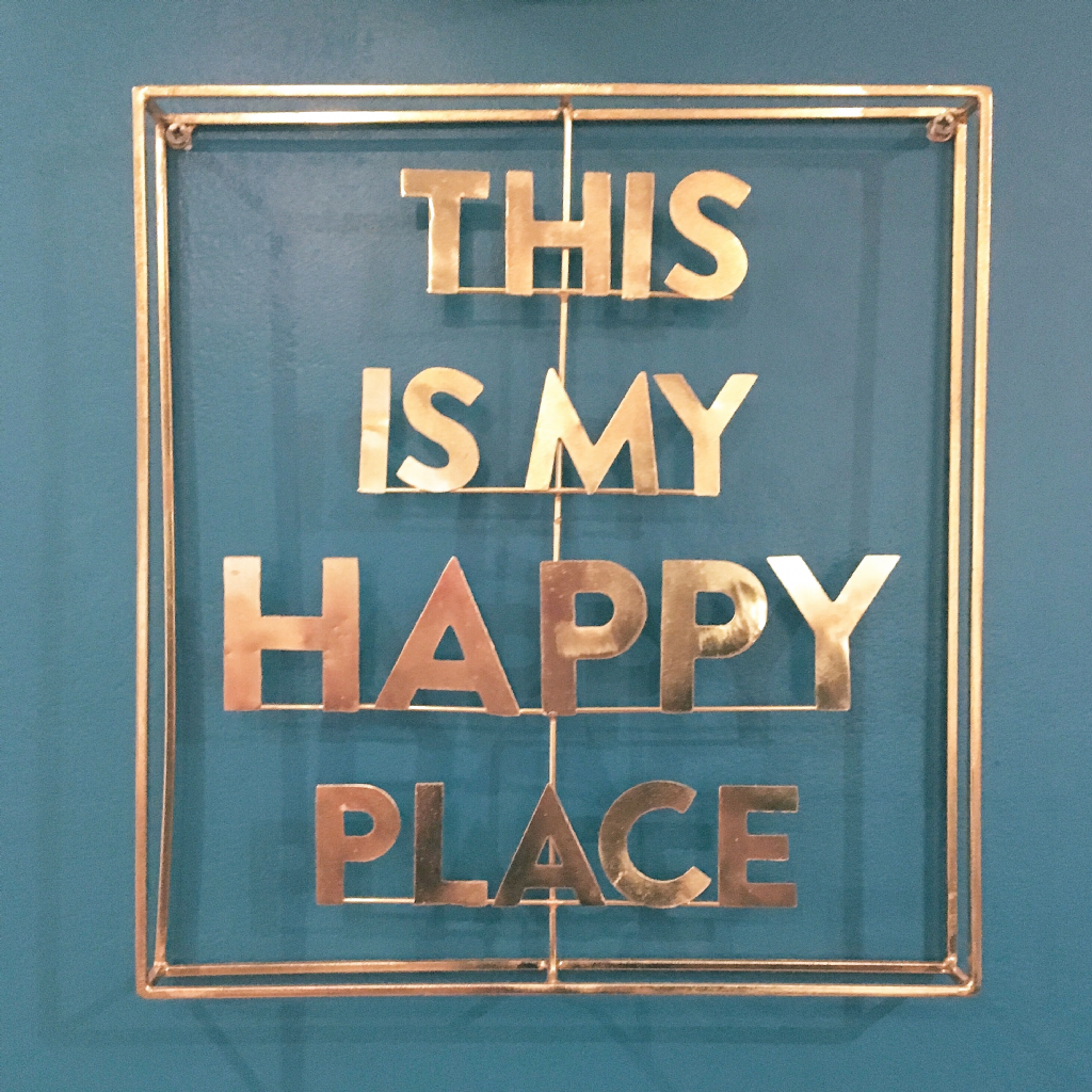 """""""This is my happy place"""", #ThrowbackThursday to when I had breakfast in a cafe and I spotted this sign on the way out. 😃 . . . . #MyTravels #EdinburghSnapShots #Edinburgh #Scotland #EdinPhoto #Travel #Inspo #Quote #Explore #scotspirit #edinburghchristmas #jennersedinburgh #parkour #freerunning #filmmaking #cinematography #jump #backflip #gainer #visitscotland #tb #memories #iskoçya  #photooftheday #me #bestoftheday  #market"""