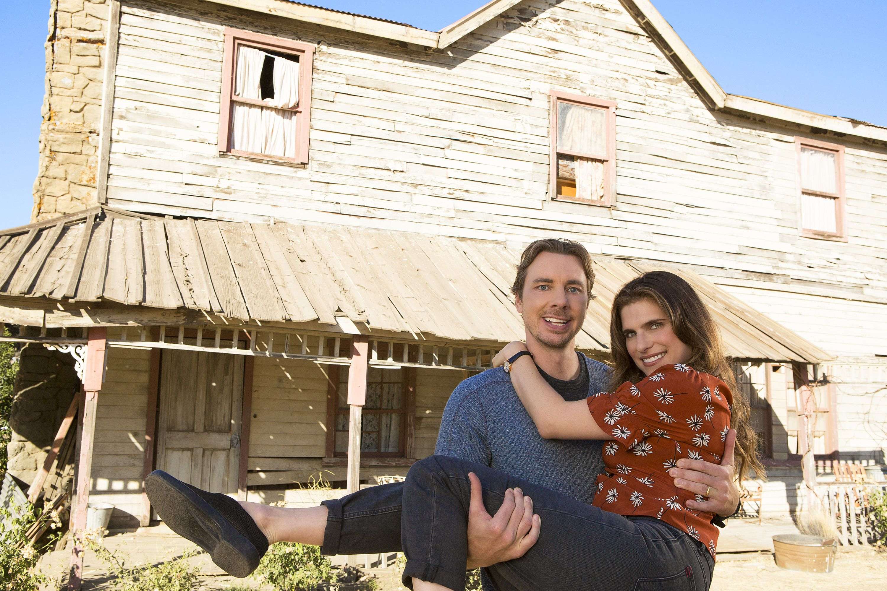 Abc S Bless This Mess Cast Talks About The Simpler Life On The Farm Newseries Tca19 Blessthismess Abc Nebraska Simple Life Sitcom