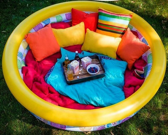 to Make An Outdoor Lounge Using A Kiddie Pool -  How to Make An Outdoor Lounge Using A Kiddie Pool