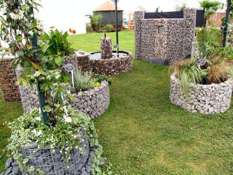 cr er un massif jardin sur lev et rond en gabion 20 id es en 2018 jardin pinterest. Black Bedroom Furniture Sets. Home Design Ideas