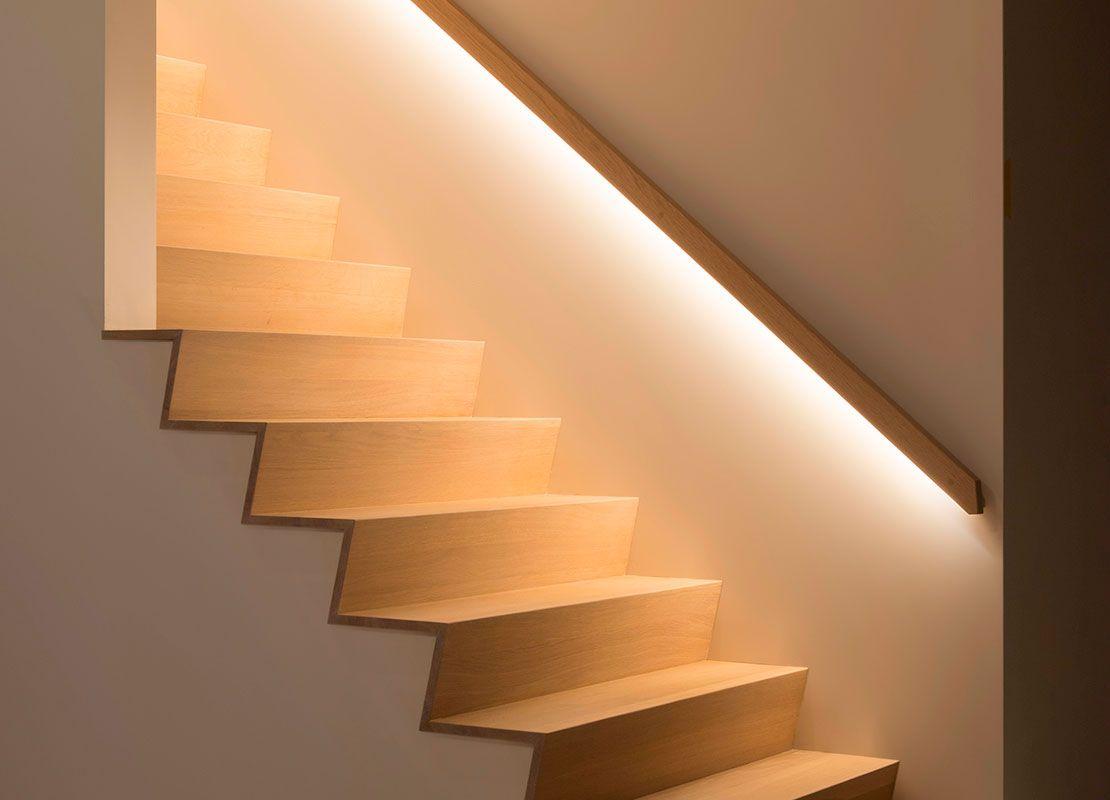 eiken houten trapleuning met led verlichting | Stopnišča | Pinterest ...