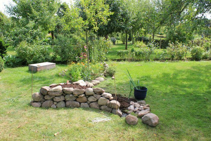 Hochbeet Mit Feldsteinen Garten Gartenarbeit Gartengestaltung