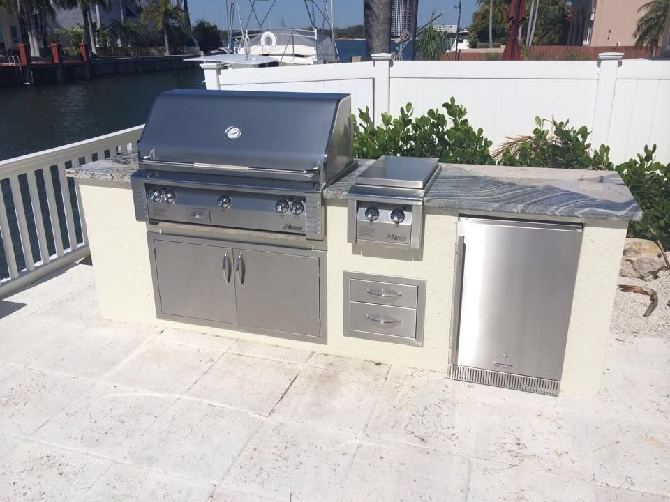 Summer kitchen with alfresco grill double side burner and for Outdoor summer kitchen