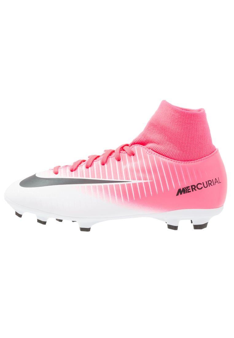 Consigue este tipo de zapatillas fútbol de Nike Performance