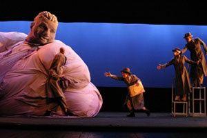 Philippe Genty - Philippe Genty --- #Theaterkompass #Theater #Theatre #Schauspiel #Tanztheater #Ballett #Oper #Musiktheater #Bühnenbau #Bühnenbild #Scénographie #Bühne #Stage #Set