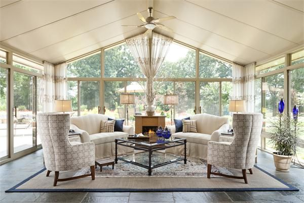 Traditional+(Victorian,+Colonial)+Living+&+Family+Room+by+Starr+Miller | Idée déco véranda ...