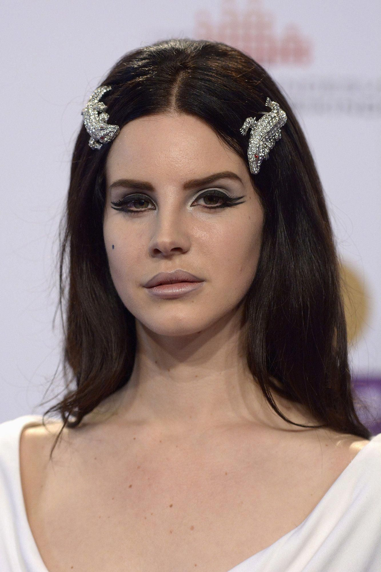 30 times Lana Del Rey slayed your life with her eyeliner