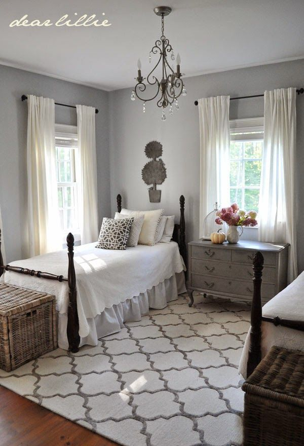 Dear Lillie My Parent S Guest Room New Rug Twin Beds Guest Room Home Home Bedroom