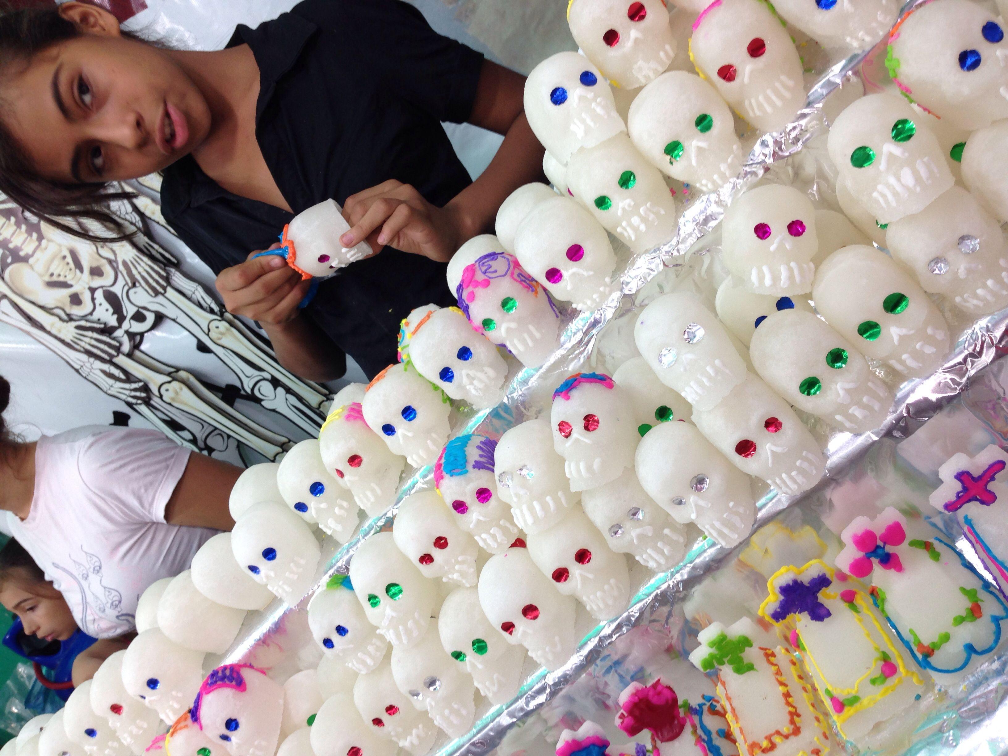 Mexico Calaveritas de azúcar  Día de Muertos Day of the Dead suegra skulls