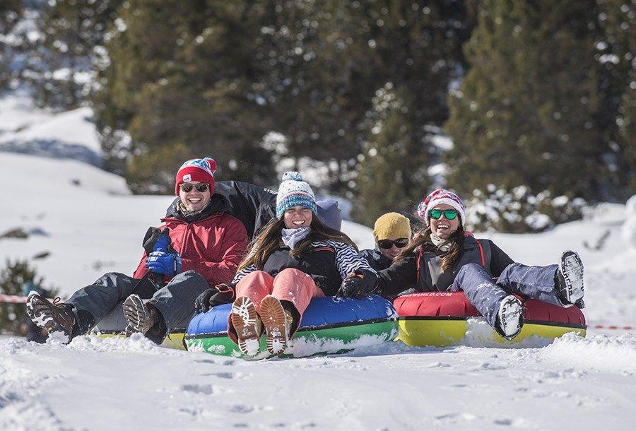 5 Cosas Que Hacer En Andorra Con Niños En Invierno A Parte De Esquiar Andorra Viajar A Andorra Esquiar