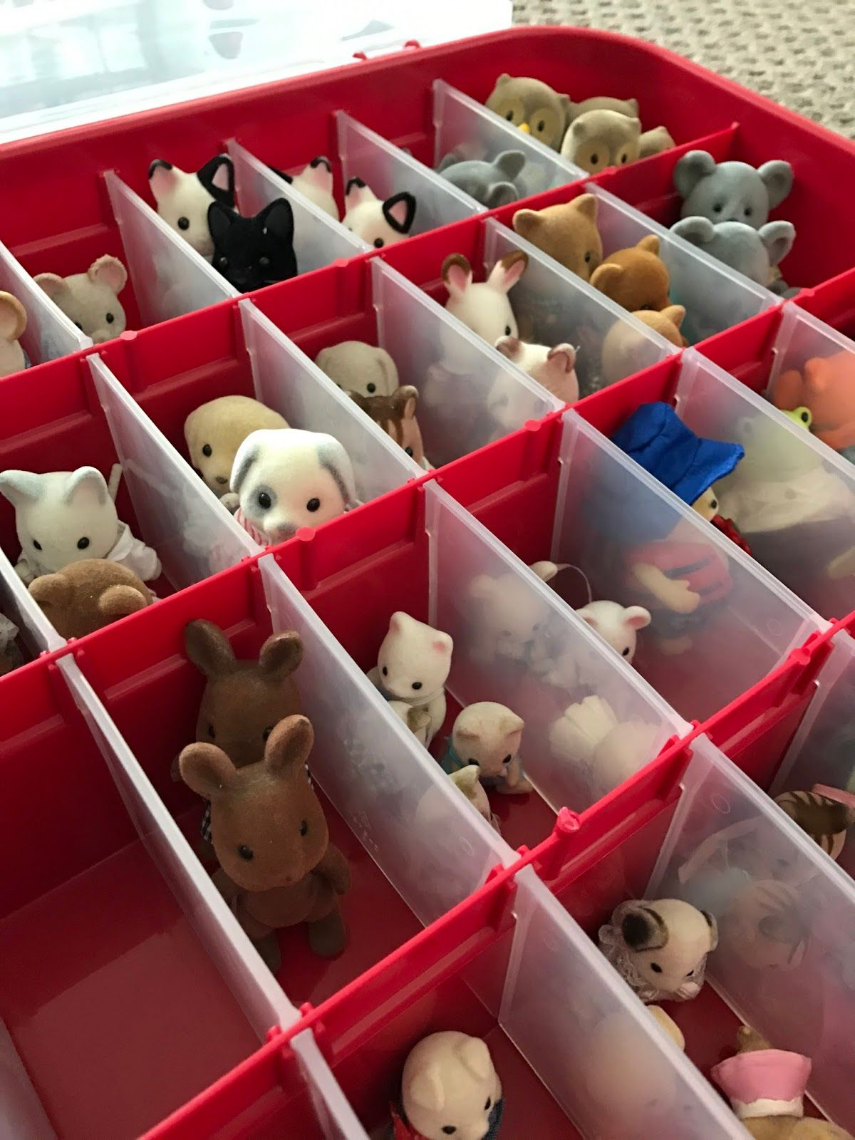 Some Great Ideas For Storing Calico Critters As Well As A Tutorial For Making A Play Mat Kids