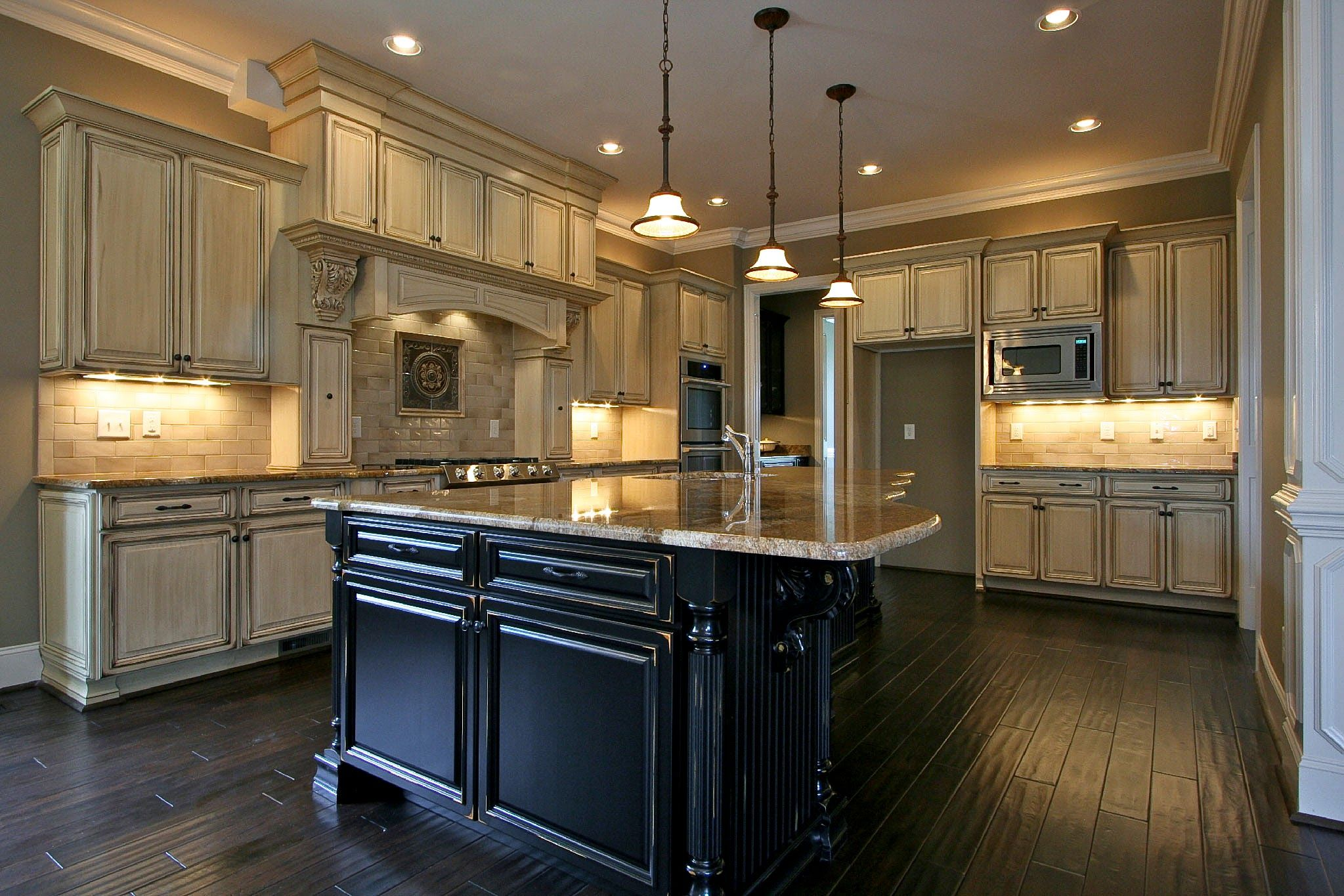 Paint Kitchen Cabinets Antique White Glaze ... (With ...