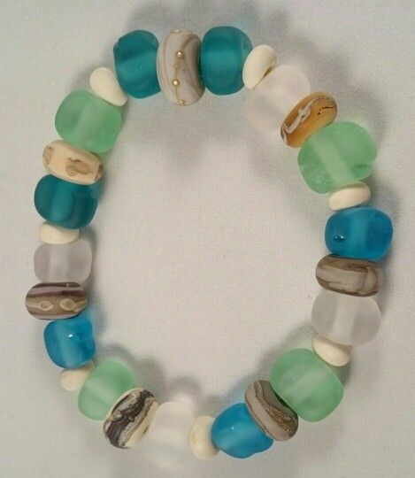 Murano glass 'pebble and sea glass' bracelet. Hand lamp worked.