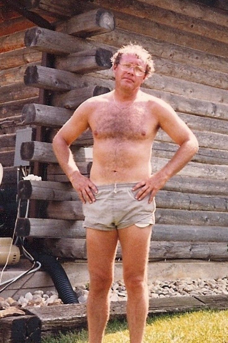 Awkward Family Photos: '80s Dads In All Their Dad-Bod ...