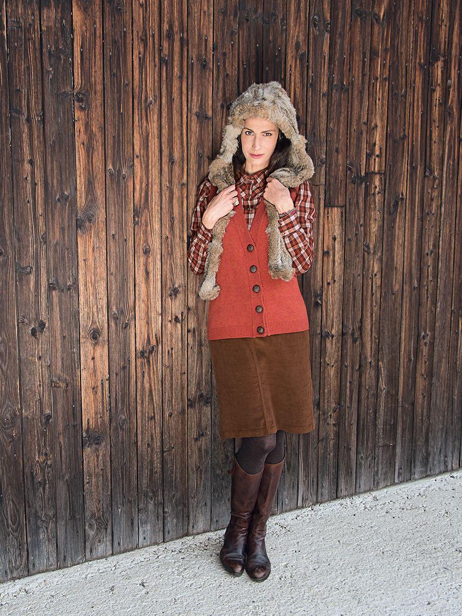 #Strick #Weste, #Fell #Muetze und #Cord #Rock by Brigitte von Boch #bevonboch #fur  #knit #waistcoat #skirt