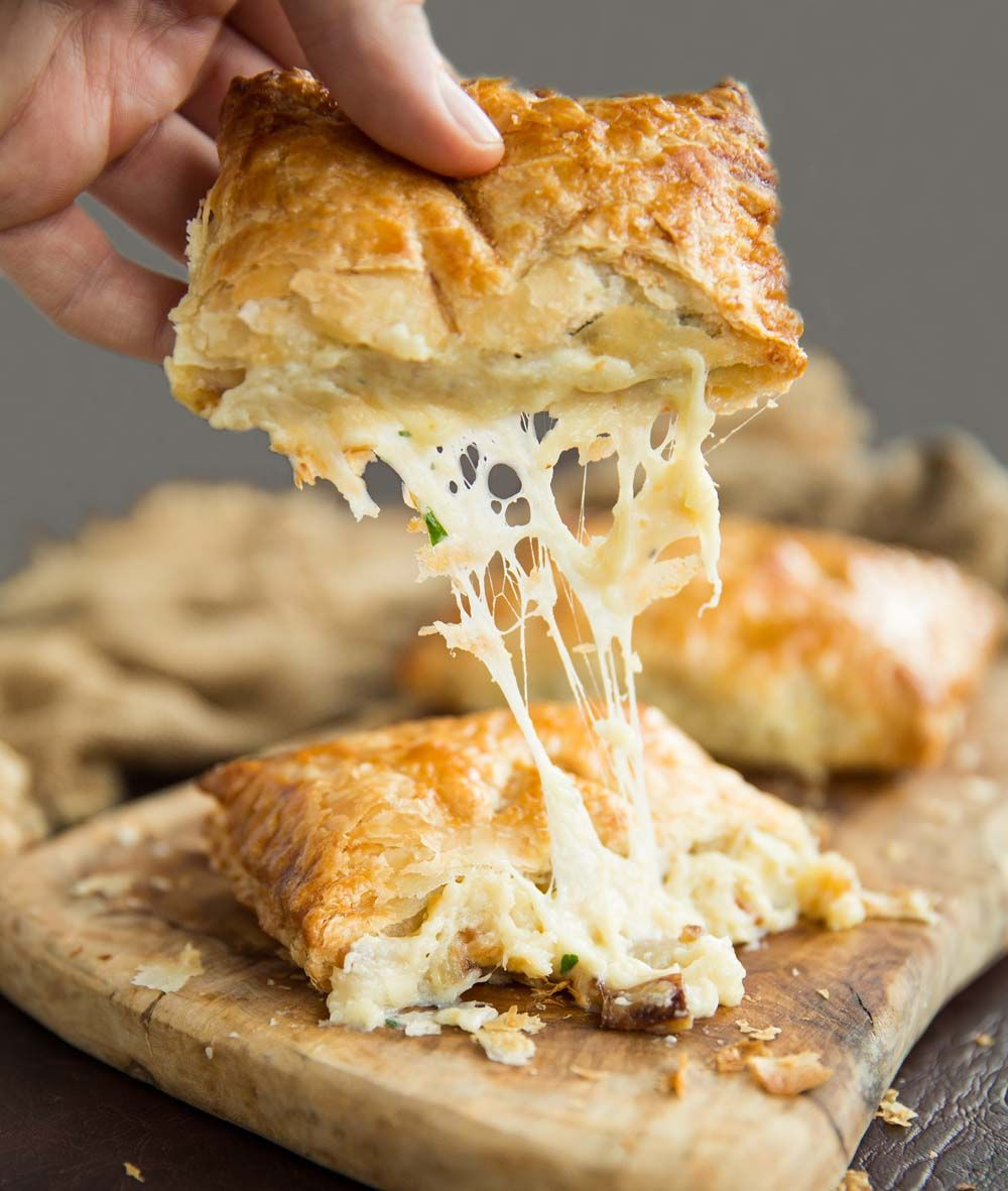 Is there a more delicious combo than cheese, onion and potato? Absolutely not when its pouring out