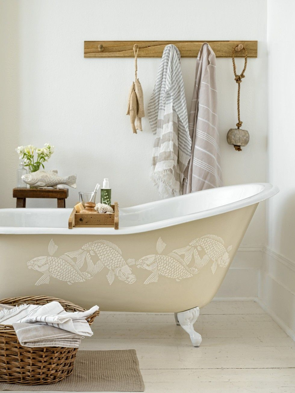 eyecandy: clawfoot tub DIY | Cottage White & Cream | Pinterest ...
