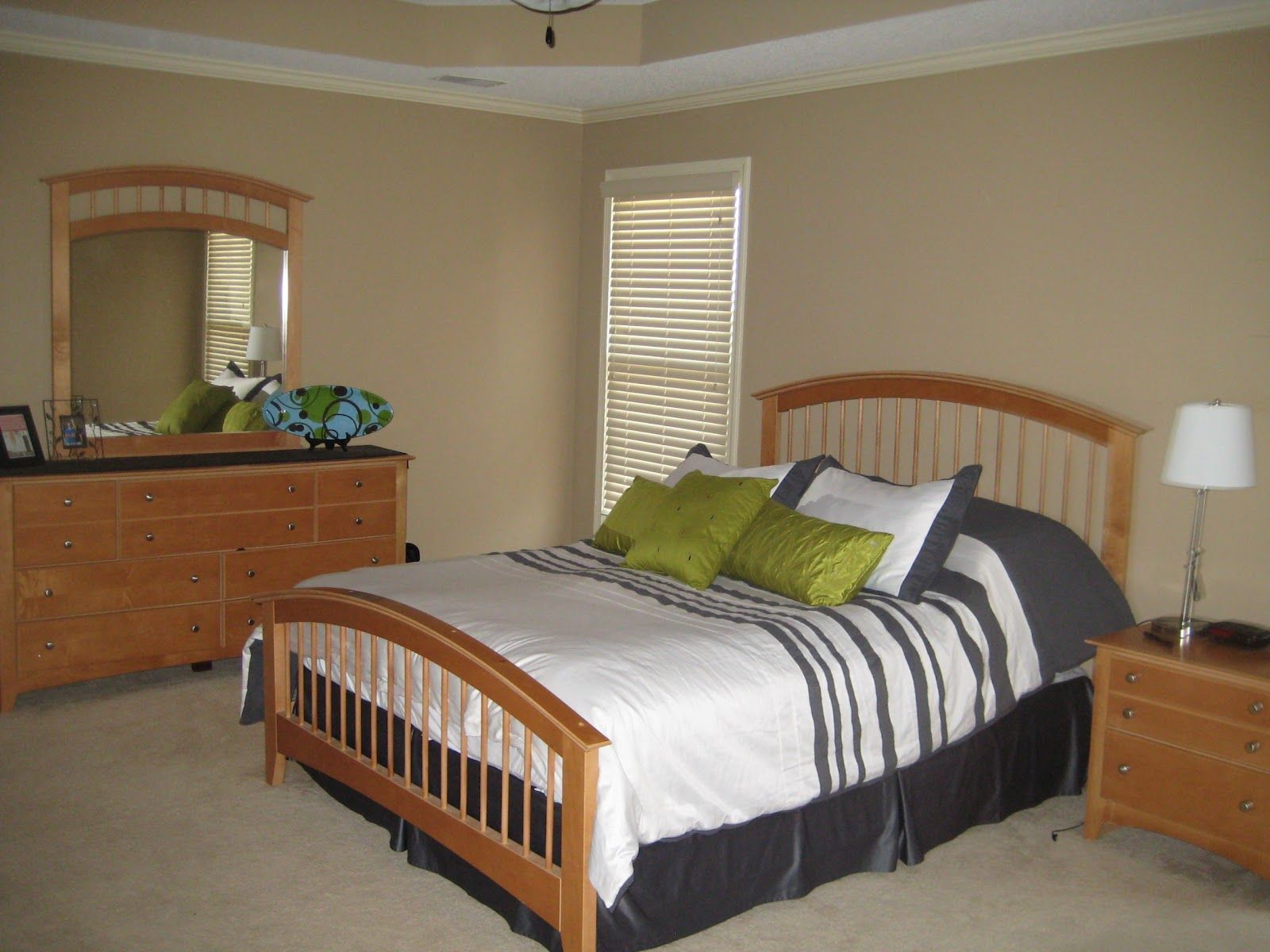 Simple Bedroom Arrangement Ideas