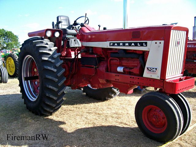 farmall drove one of these at the boyum farm in the s farmall 706 drove one of these at the boyum farm in the 60s