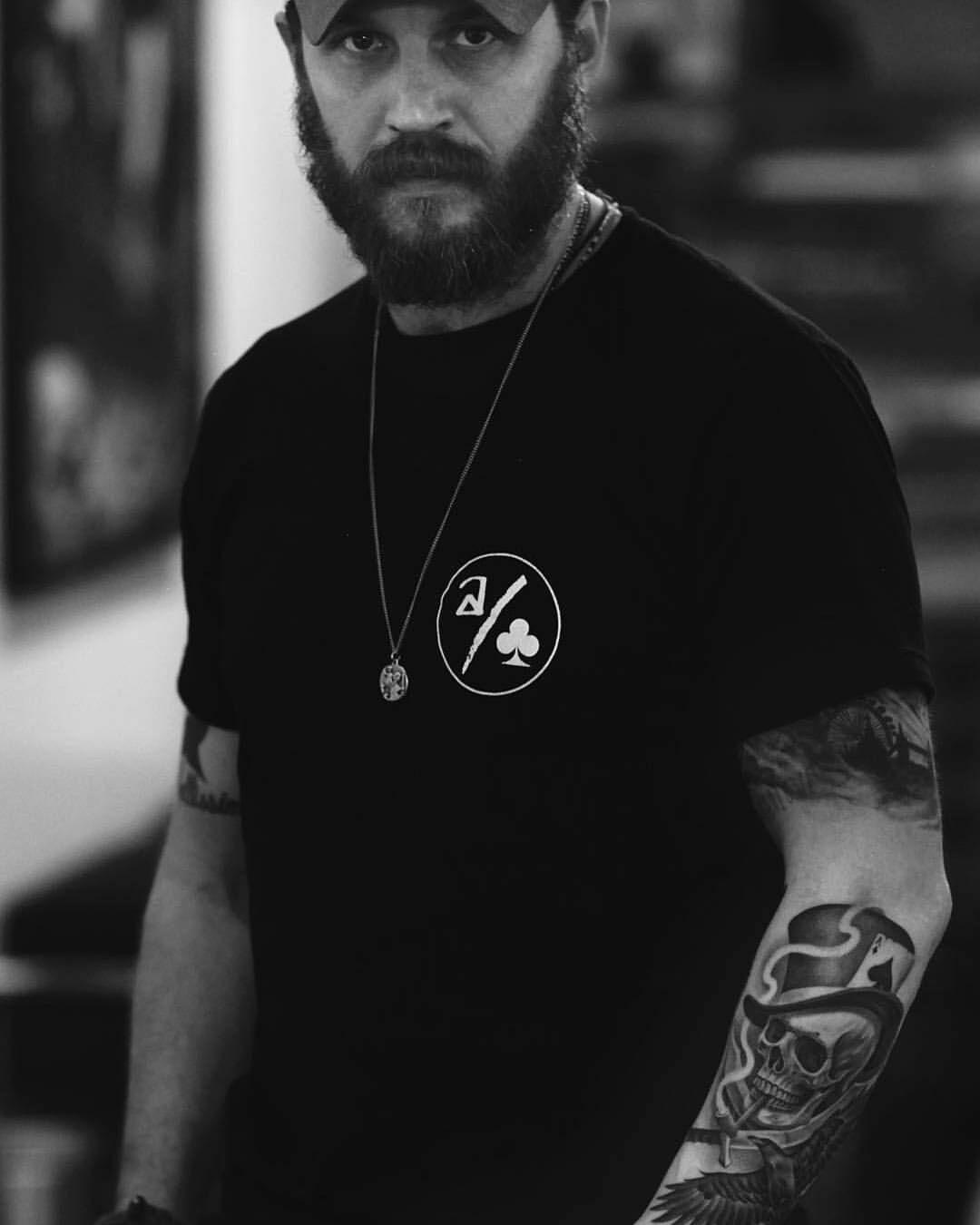 Actor Porno B A R Cuchillo Tatuado nuevo tatuaje de #tomhardy por #jumcha . #tattoo #tatuajes