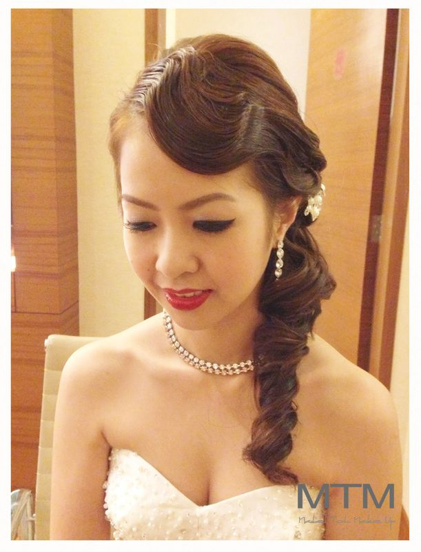 Finger wave for long hair. | Roaring 20s hairstyles