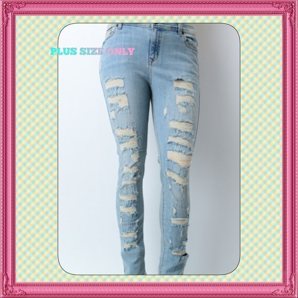 0112cfee4862c 🆕🅿️Plus Size Light Wash Distressed Skinnies Brand new 5 pocket mid rise  skinny jeans