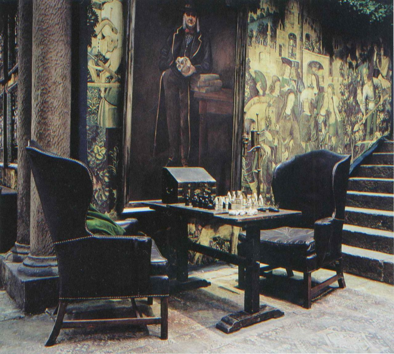 slytherin common room the house that halloween built pinterest slytherin room and harry. Black Bedroom Furniture Sets. Home Design Ideas