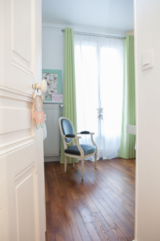 inspiration d co pour une chambre mixte de b b. Black Bedroom Furniture Sets. Home Design Ideas