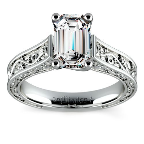 Antique Solitaire Engagement Ring in White Gold | Emerald