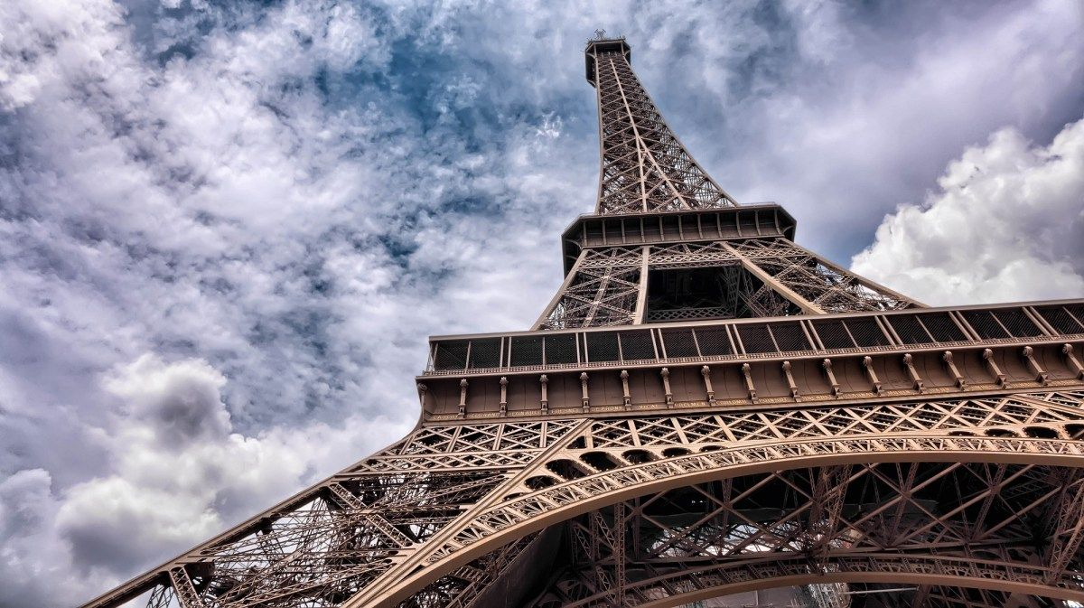 One Day in Paris: From the Champs E'Lysées to Notre Dame