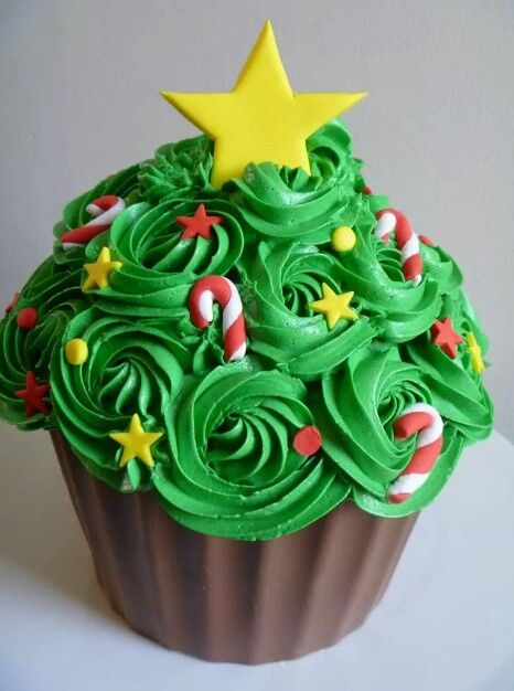 Christmas tree giant cupcake … | Holliday Recepie in 2018…