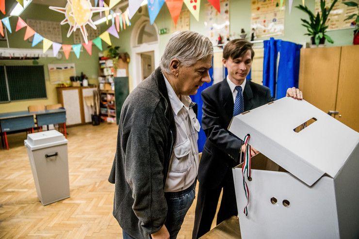 Kövesse velünk a népszavazást percről percre! - Blikk.hu