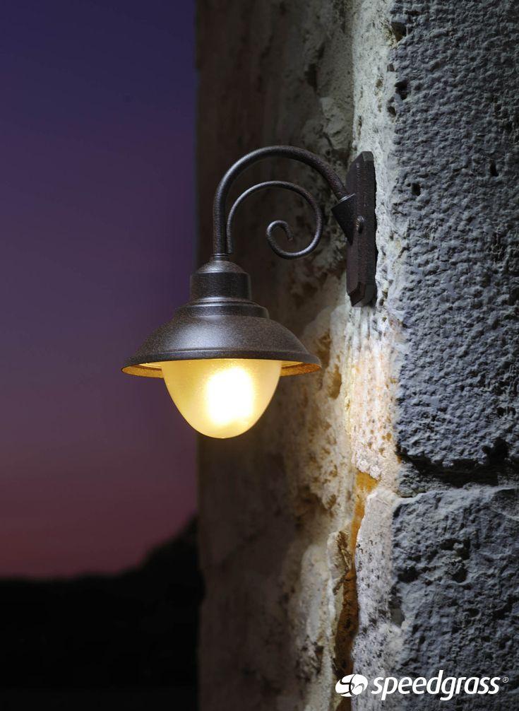 La nueva colecci n de luces de jard n a 12v acabar de dar for Instalacion electrica jardin