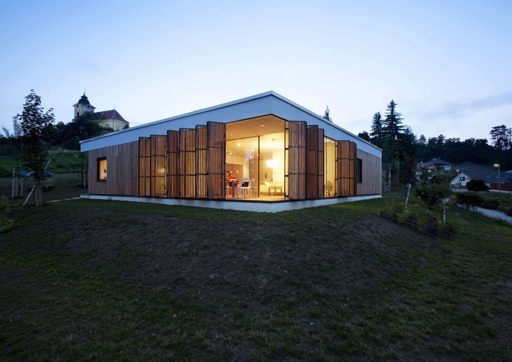 A Single Story House Built Over A Square Ground Plan, Without A Cellar And