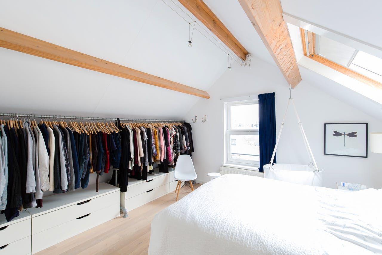 Sleek, Minimal Modern Style in Rotterdam | Dachgiebel, Schrank ...