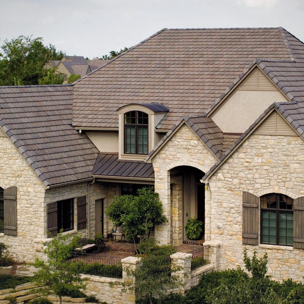 Simple modern roof designs are becoming more and more popular in recent  years.