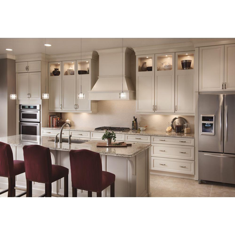 KraftMaid 15x15 In. Cabinet Door Sample In Parkdale Maple