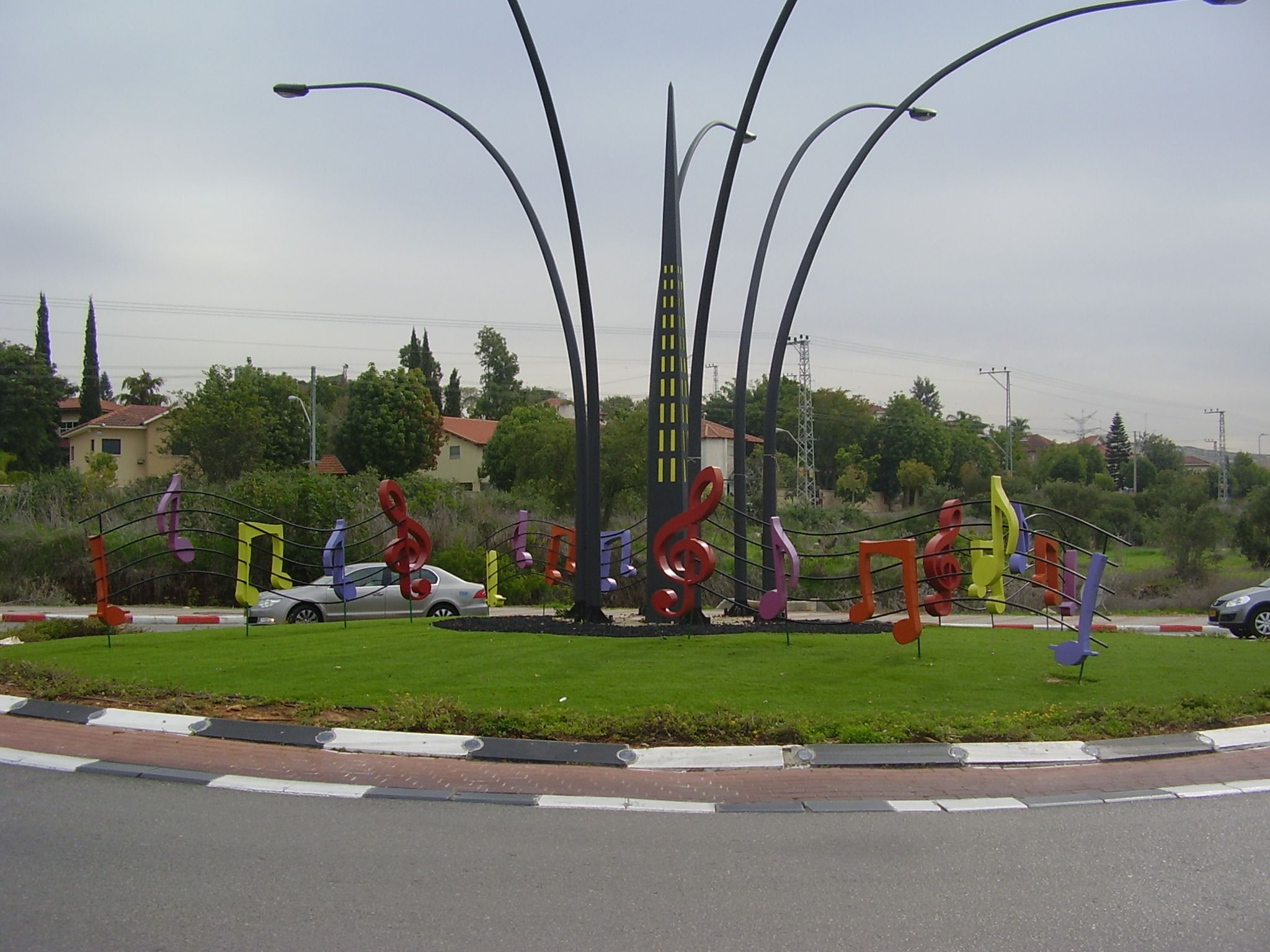 http://upload.wikimedia.org/wikipedia/commons/6/6a/PikiWiki_Israel_16357_Rosh_Haayin_music_town_-_Notes_Square.JPG