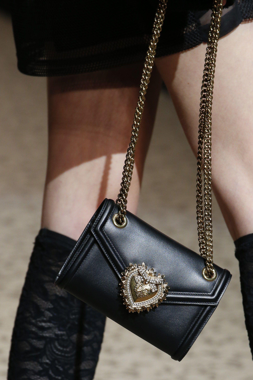 a224bd12fcc Dolce & Gabbana Fall 2018 Ready-to-Wear Fashion Show in 2019 ...