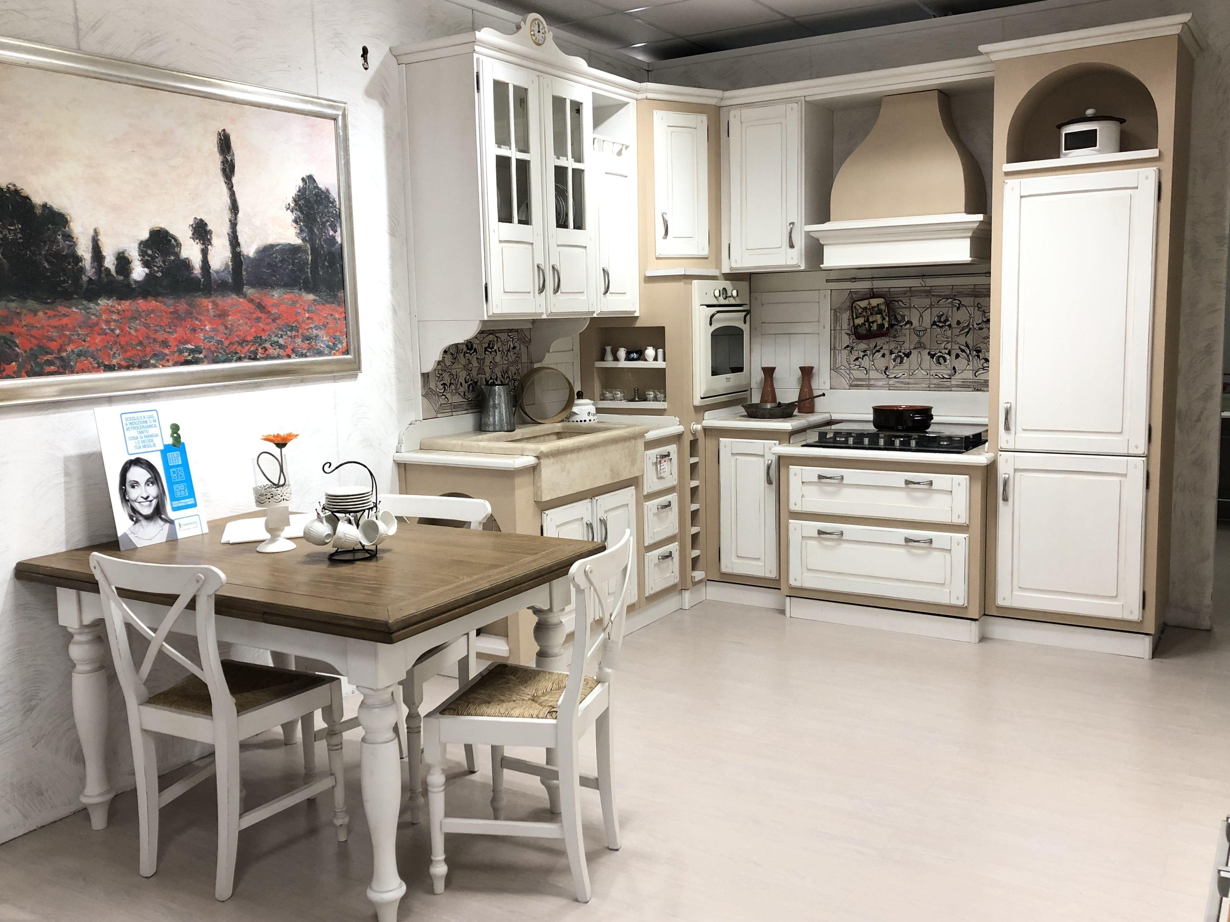 Cucina in finta muratura realizzata in legno massello di castagno cm ...