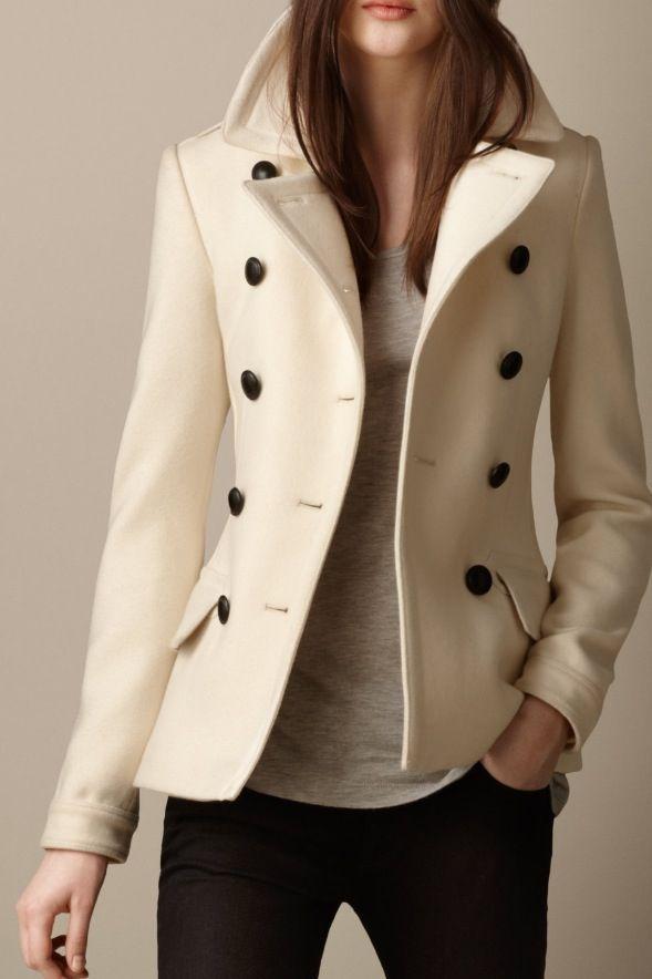 Burberry! Need this !   Outerwear   Pinterest   Полупальто, Пальто и ... 666bb0742b3