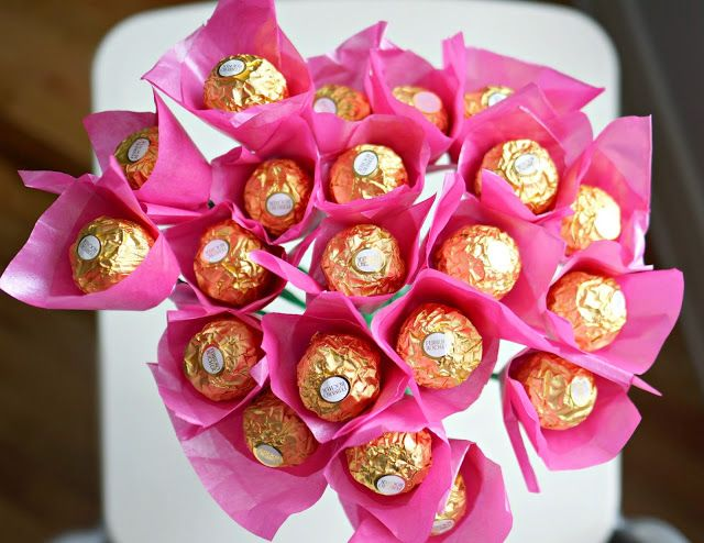 Many Seven Things: Chocolate Flower Bouquet!