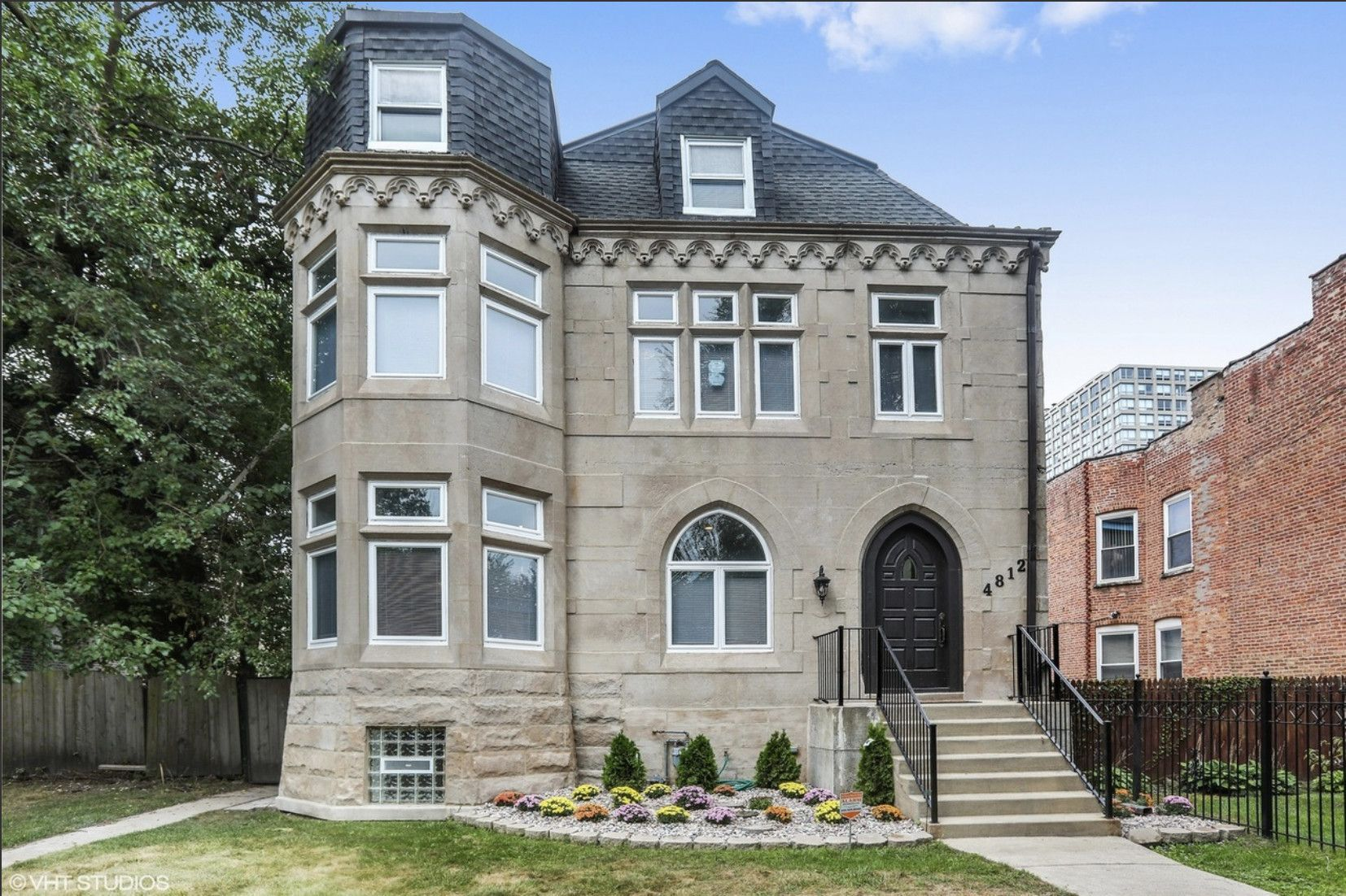 Here S What 700k Buys Around Chicago Chicago Real Estate Chicago Architecture Chicago House