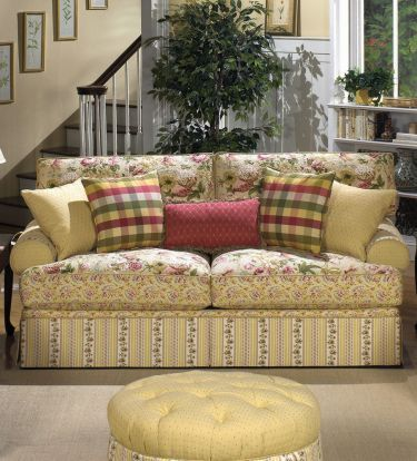The More I Look At This The Better I Like It Country Style Living Room Cottage Style Sofa Country Living Room Furniture
