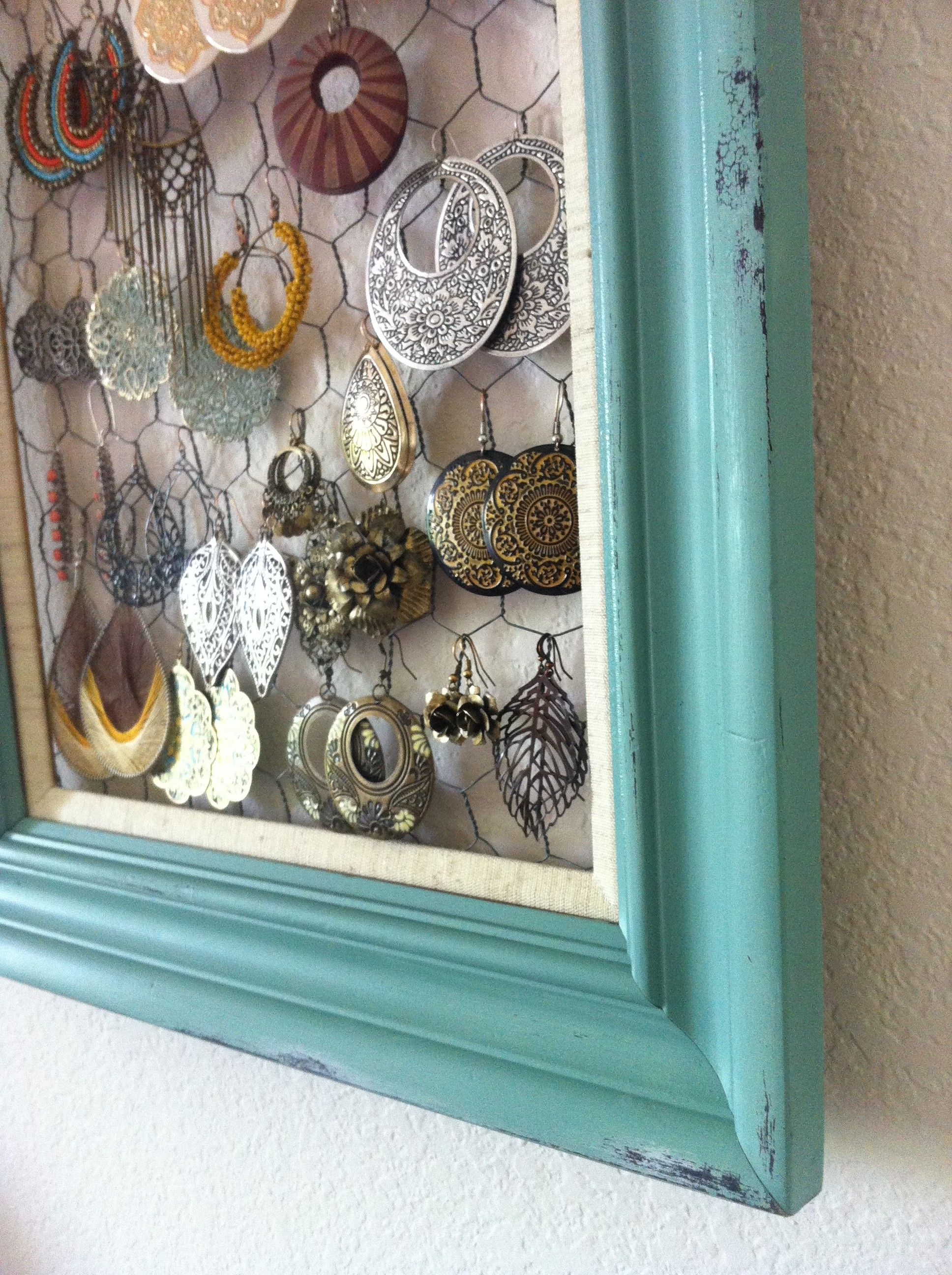 Old frame, paint it! Chicken wire back, Instant cute earring display ...