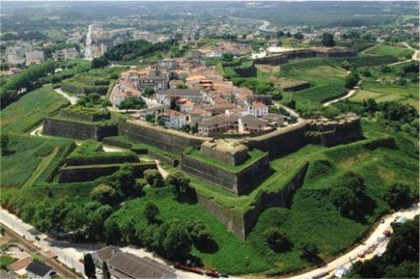 Muralhas De Valença Do Minho Lugares A Visitar Na Região - Valenca portugal map