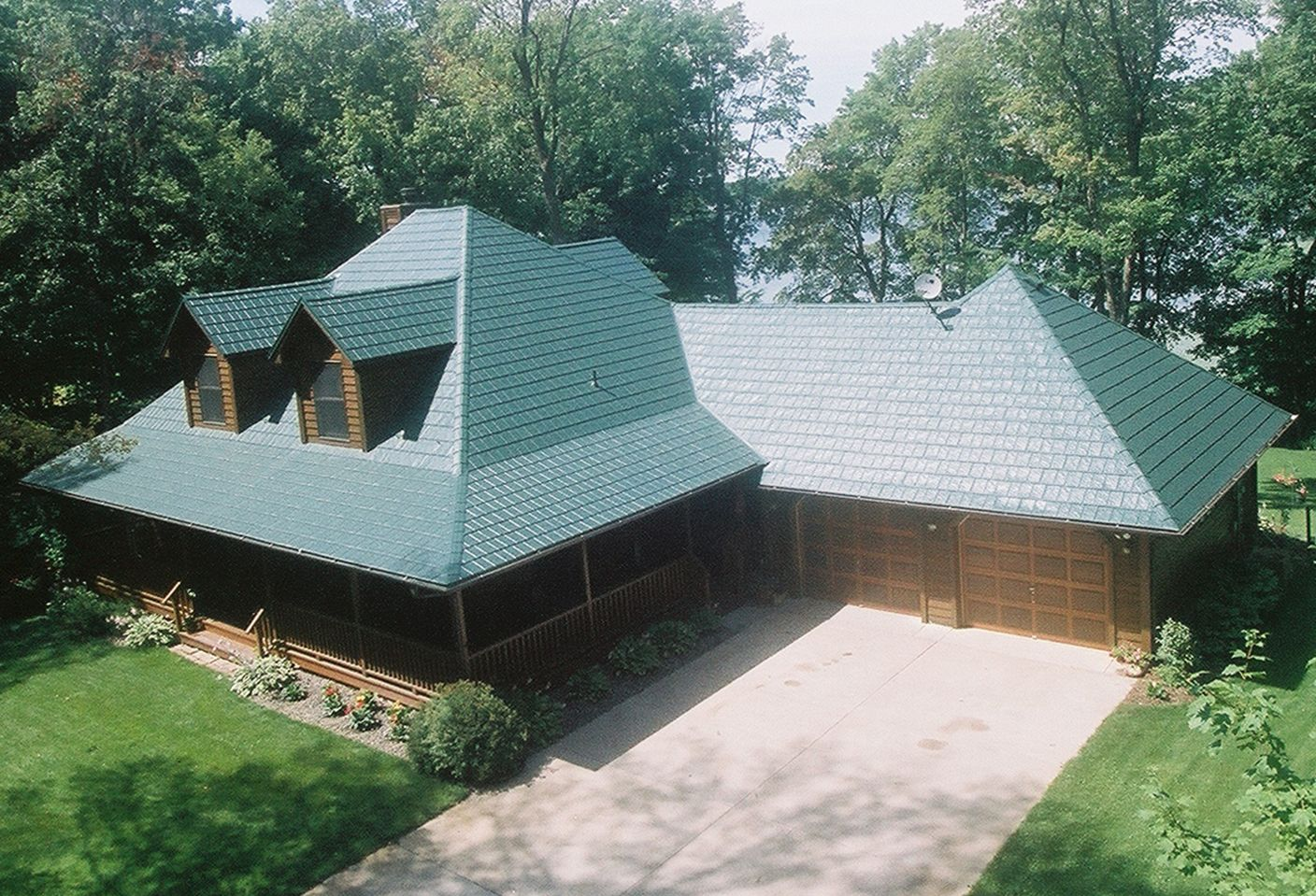 Best Pin By Tim Eansor On Hartford Green Slate Metal Roofing 640 x 480